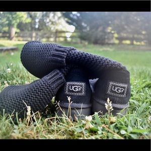 UGG black Classic Cardy boots worn once!